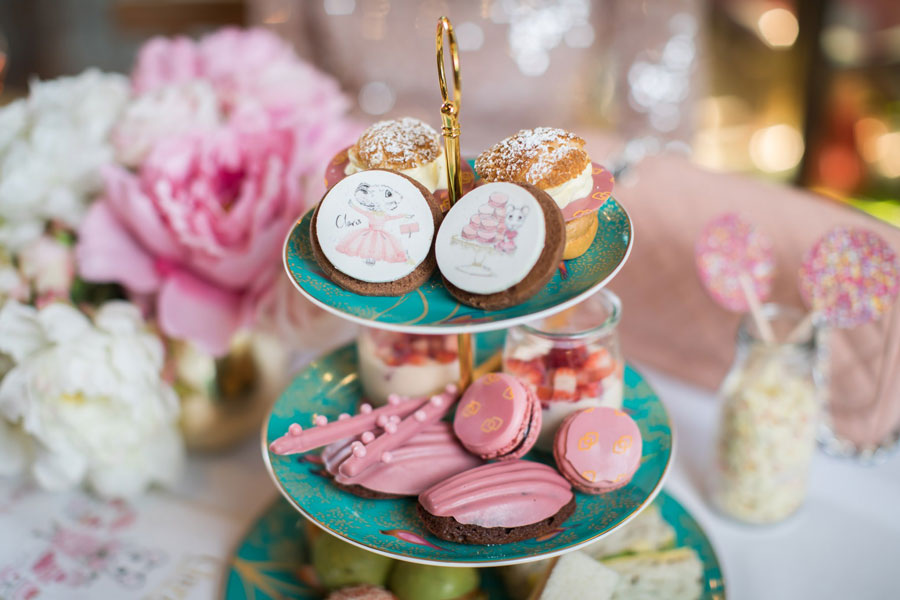 megan-hess-claris-high-tea-sofitel-sydney-sydney-kids-christmas-activities-dani-t
